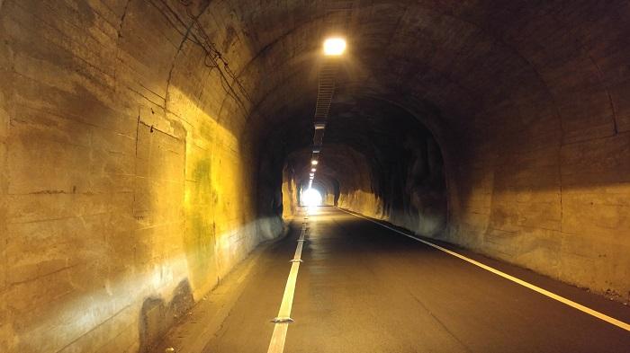 トンネル内の写真