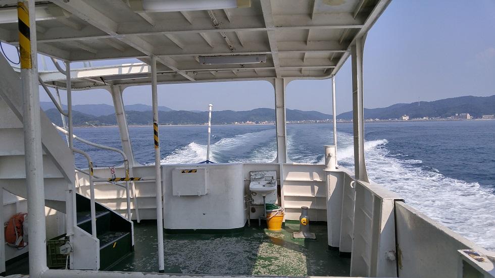 友ヶ島へ向かう船から撮った加太港