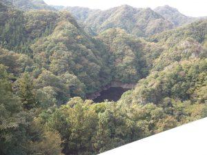 竜神大吊橋から眺めるダムの風景